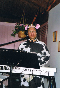 Bobby Cruz cow and Korg Triton